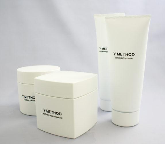 ブランドを立ち上げるため、すべての化粧品容器をつくりたい